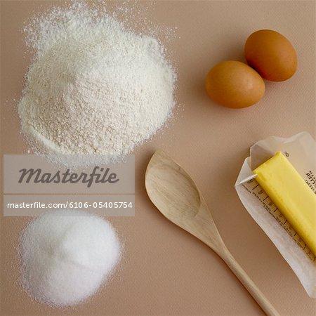 Ingrédients de base utilisés pour la cuisson.