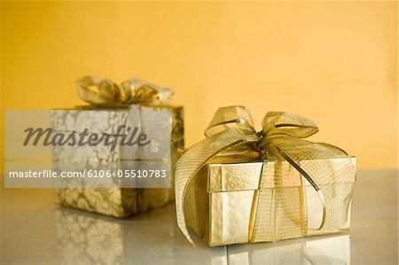 Deux cadeaux en or