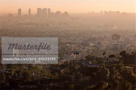 Vue d'ensemble de Hollywood avec Century City et Santa Monica au loin, Los Angeles, Californie, USA