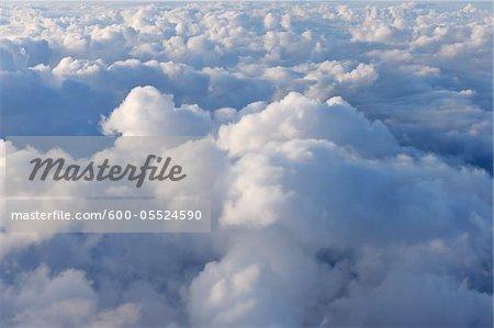 Wolken von Flugzeug