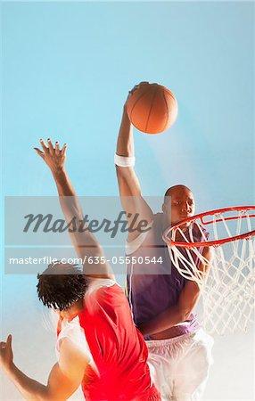 Basket-ball joueur trempe