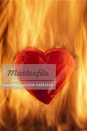 Herzen in Flammen brennen