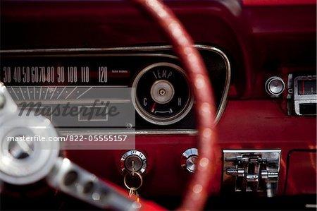 Tableau de bord voiture vintage