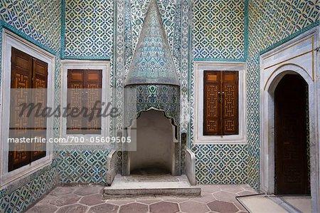 Kamin im Saal des kaiserlichen Harems, Topkapi Palast, Istanbul, Türkei