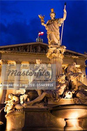 Pallas-Athene-Brunnen vor österreichischen Parlamentsgebäude, Wien, Österreich