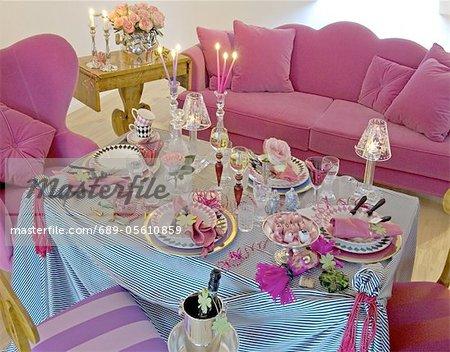 Jeté de table dans le salon pour fêtes