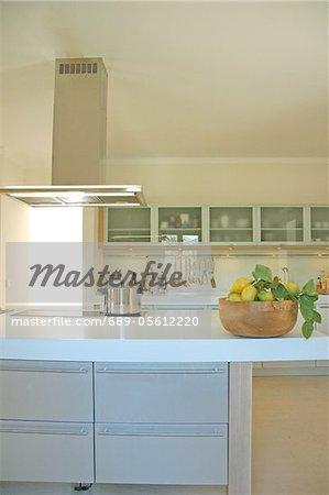 Küche mit Dunstabzugshaube