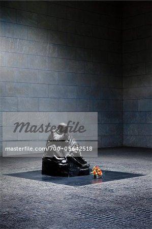 Mère avec sa Sculpture de fils morts, monument Central de la République fédérale d'Allemagne pour les victimes de la guerre et la tyrannie, Berlin, Allemagne