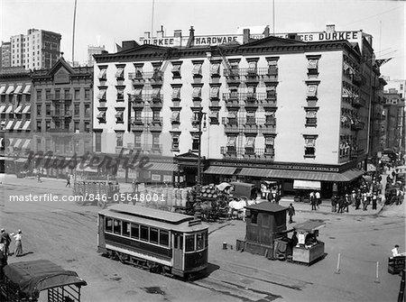 ANNÉES 1910 - 1916 L'ORIENTAL HOTEL NEW YORK CITY À SOUTH FERRY LOWER MANHATTAN AVEC UNE VOITURE DE RUE EDISON