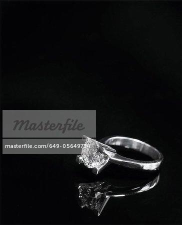 Nahaufnahme von Diamant-ring