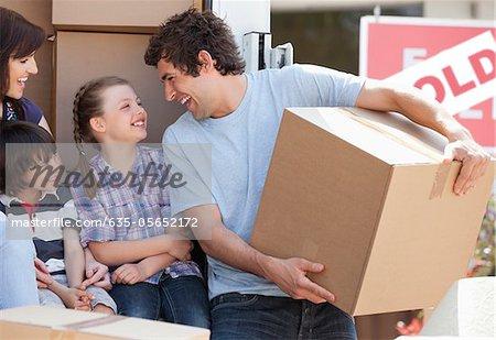 Famille de boîtes de déménagement
