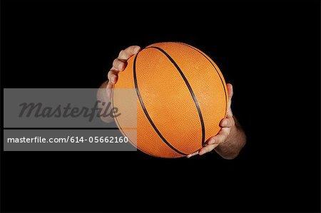 Gros plan du basket ball détenu