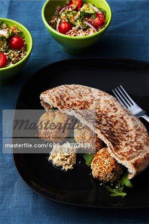 Sandwich falafel avec salade de taboulé