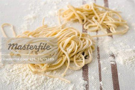 Frische hausgemachte spaghetti