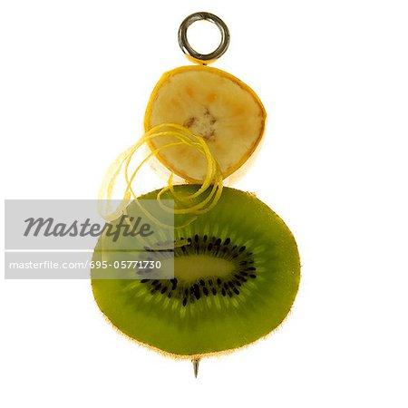 Banane, Kiwi und Zitrone Zest auf Spieß