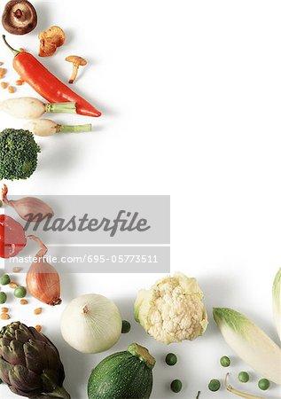 Verschiedene Gemüse in L Form angeordnet