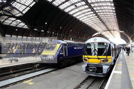 Locomotives at London Paddington station, London, England, United Kingdom, Europe