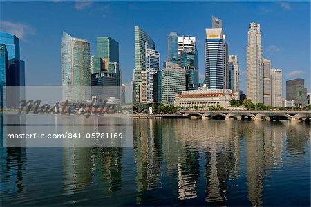 Front de mer face à la baie de Marina, l'hôtel Fullerton, précédemment le Bureau de poste Central, Singapour, Asie du sud-est, Asie