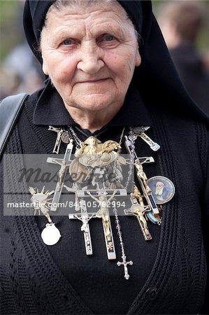 Polnische Nonne in St. Peter's Square für die Seligsprechung von Papst Johannes Paul II, Vatikan, Rom, Latium, Italien, Europa