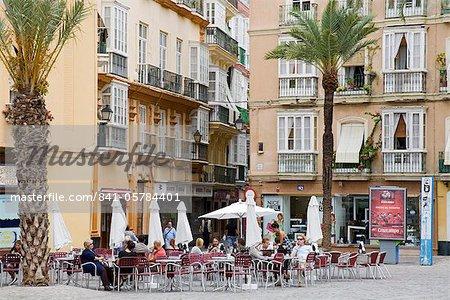 Cafe sur la cathédrale Plaza, Cadix, Andalousie, Espagne, Europe