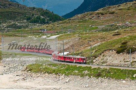 Mountain railway, col de la Bernina, Suisse, Europe