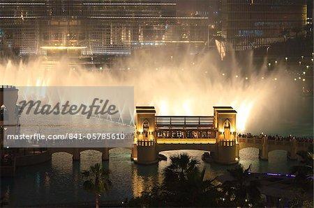 Dubai Fountain, Burj Khalifa Lake, Downtown, Dubai, Émirats Arabes Unis, Moyen-Orient