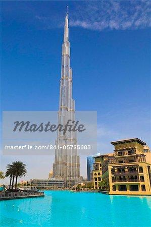 Burj Khalifa, the tallest man made structure in the world at 828 metres, Downtown Dubai, Dubai, United Arab Emirates, Middle East