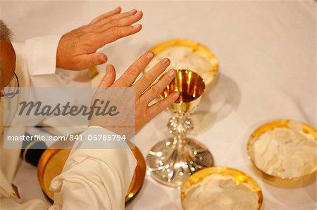 Eucharistie célébration, Haute-Savoie, France, Europe