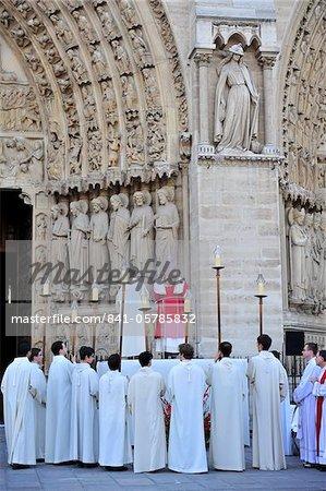 Mass outside Notre-Dame de Paris cathedral, Paris, France, Europe