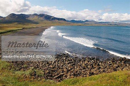 Plage, Grundarfjordur Bay, la péninsule de Snaefellsnes (Islande), les régions polaires