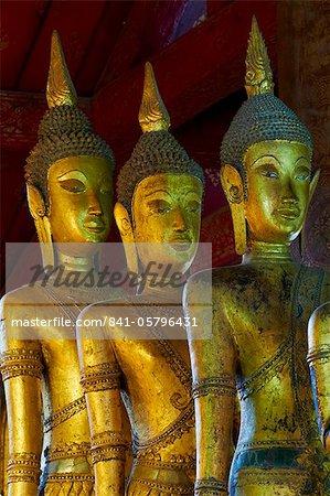 Statues de Bouddha, TVA Mai Suvannaphumaham, Luang Prabang, patrimoine mondial de l'UNESCO, au Laos, Indochine, Asie du sud-est, Asie
