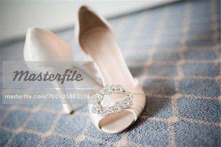 Gros plan des chaussures de haut talon