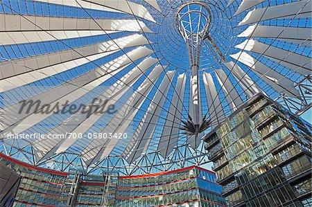 Intérieur du Sony Center, Potsdamer Platz, Berlin, Allemagne