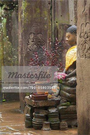 Bouddha en pluie, Temple du Bayon, Angkor Thom, Siem Reap, Cambodge