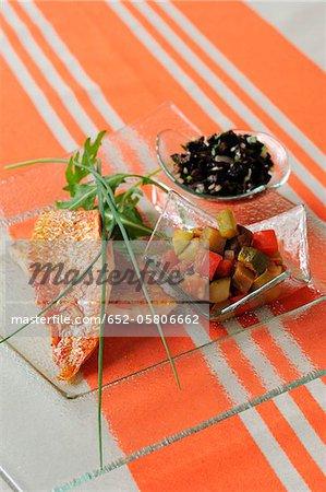Rote Meerbarbe Hohlkehlen mit ratatouille