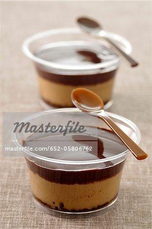 Schokolade und Kaffee Creme dessert