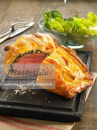 Roast beef in pastry crust