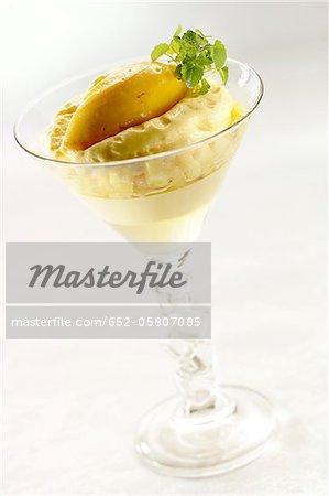 Mousse de citron avec sorbet à la mangue