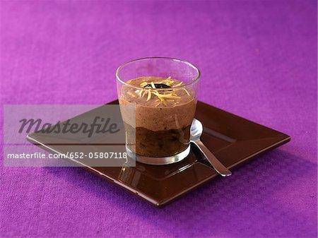 Verrine de chocolat, aromatisé à l'amande et citron