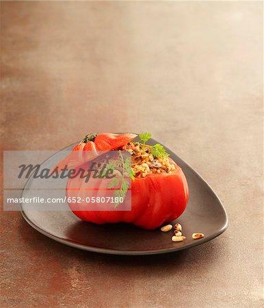 Coeur de boeuf tomate farcie bulghour et noix de pin