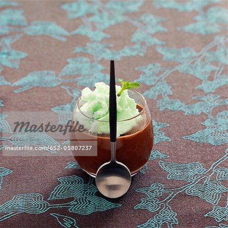 Chocolat crême dessert à la mousse de menthe