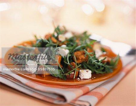 Salade de roquette laitue, fromage et champignons