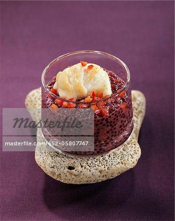 Lotte et rouge vin tapioca verrines