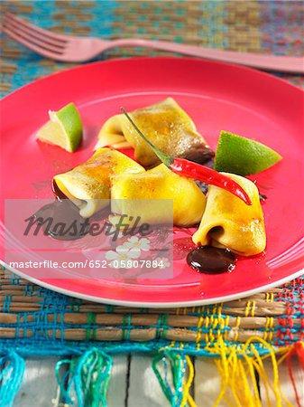 Mango und würzige Schokoladen-Ravioli