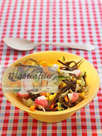 Meer Thong und Gemüse warm Salat