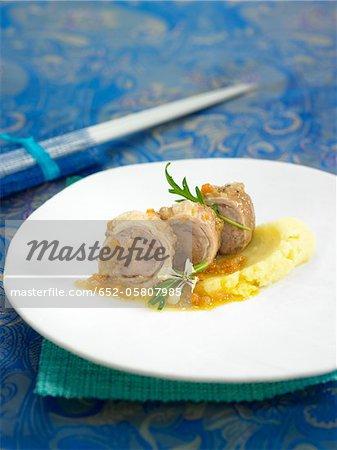 Lamb-fed Botifarra en escabèche,carrot and leek puree