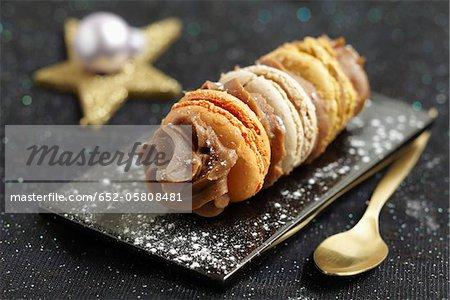 Macaroon and Carambar cream small log cake