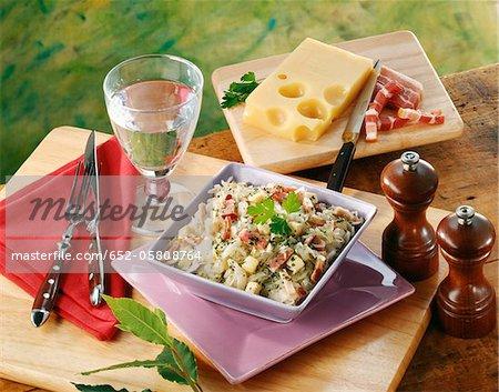 Chou blanc, jambon cru et salade Emmental
