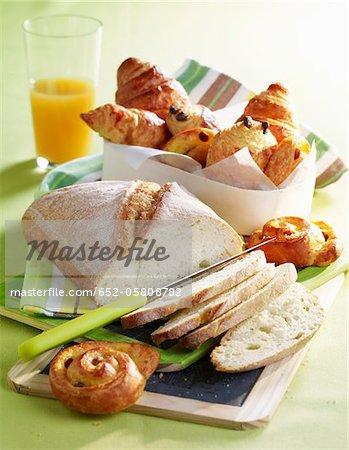 Pain blanc et milkbread pâtisseries pour le petit déjeuner
