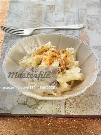 Macaronis de riz aux champignons et aux amandes